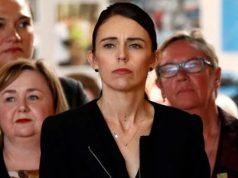 Perdana Menteri Selandia Baru saat mengunjungi Cashmere High School di Christchurch,